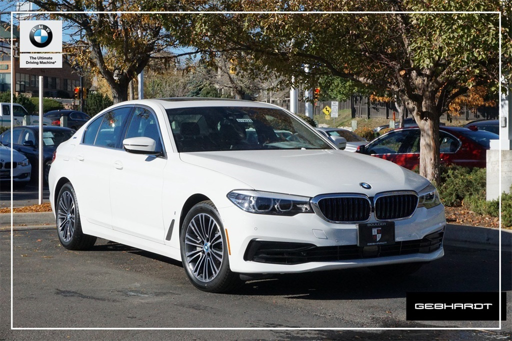 New 2019 BMW 530e xDrive iPerformance With Navigation & AWD
